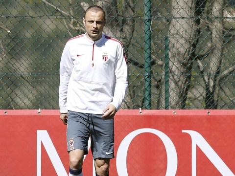 Dimitar Berbatov set to complete Aston Villa transfer – report