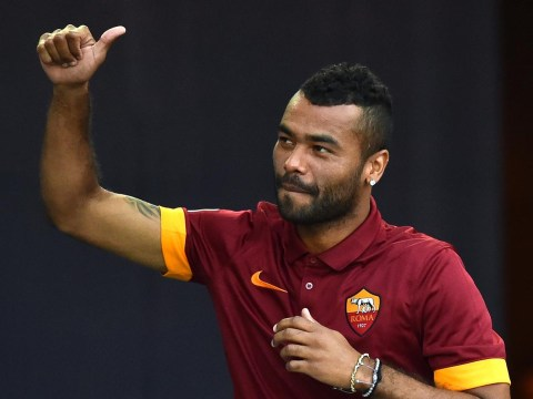 Manchester United fans are calling for Ashley Cole transfer after Luke Shaw injury