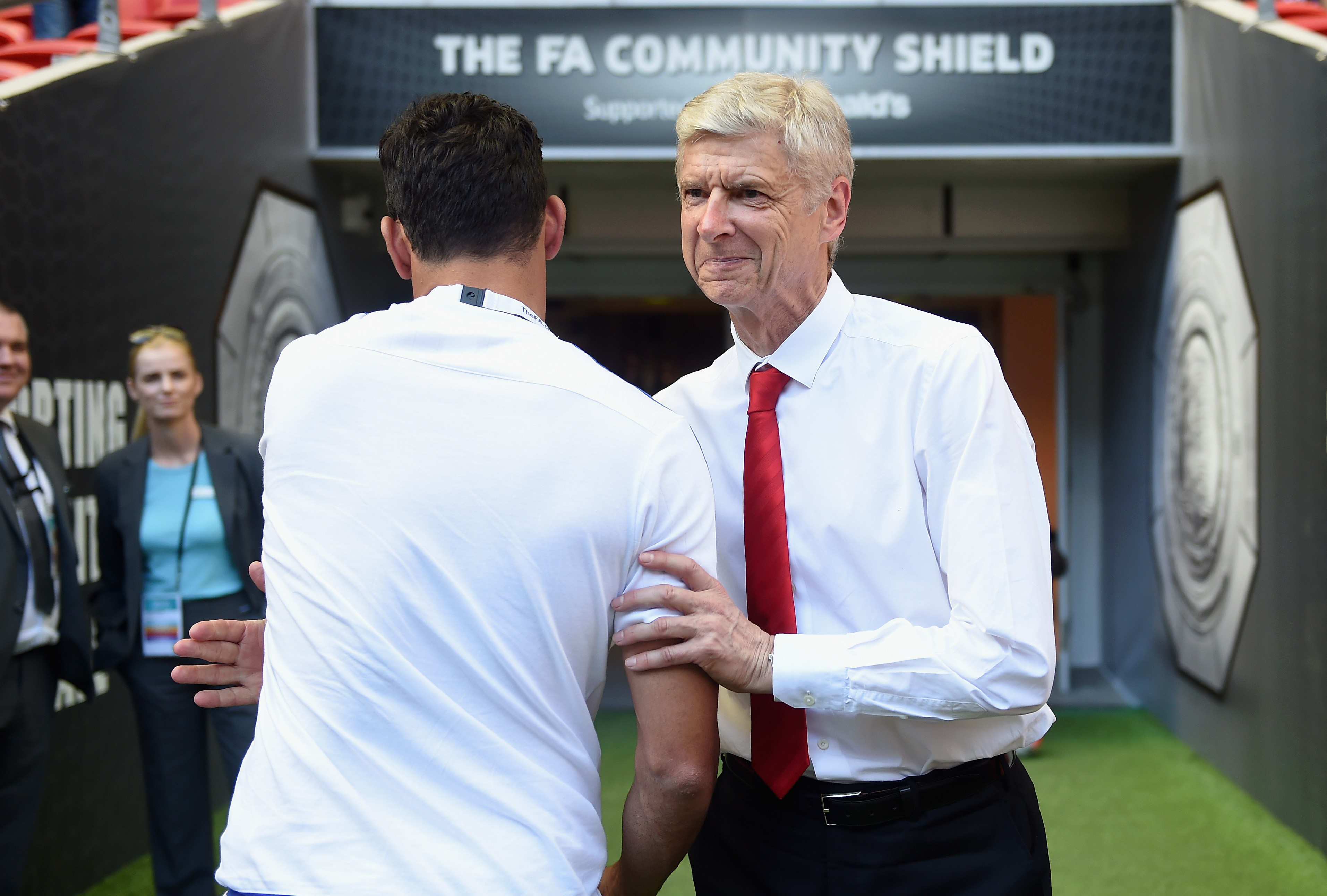 Arsenal are the first Premier League club to help the refugee crisis