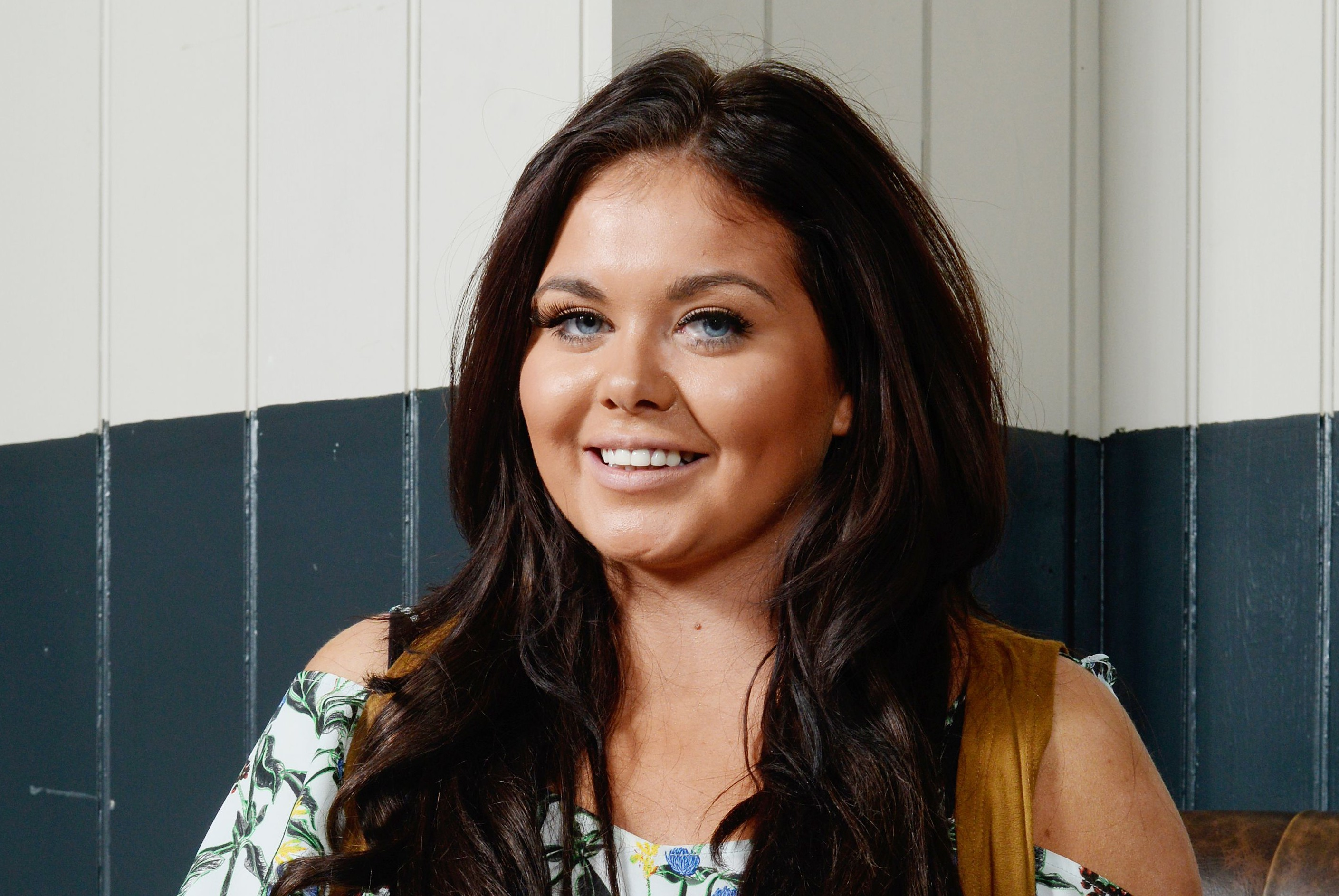 Gogglebox's Scarlett Moffatt shows off chic new grey look – would you dare to go there?