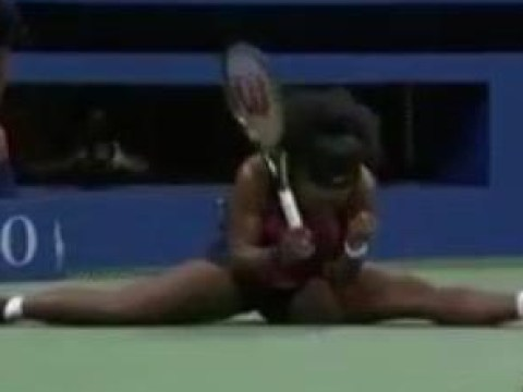 Serena Williams proves she's the best ever by doing the splits to win a point at US Open 2015