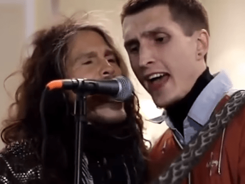 Steven Tyler performs amazing version of Aerosmith's I Don't Want To Miss A Thing with busker