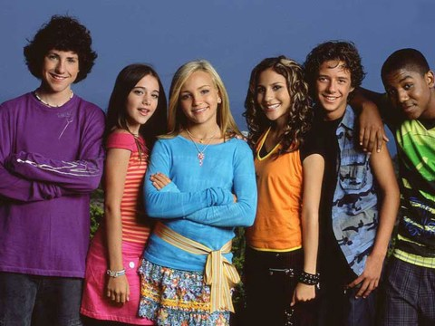 After 10 long years Nickelodeon show Zoey 101 finally resolves THAT time capsule cliffhanger