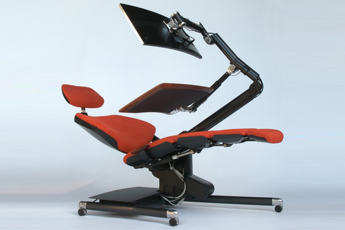 Desk lets you lie down and work