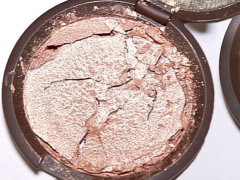 This is how to fix your broken powder make-up compacts