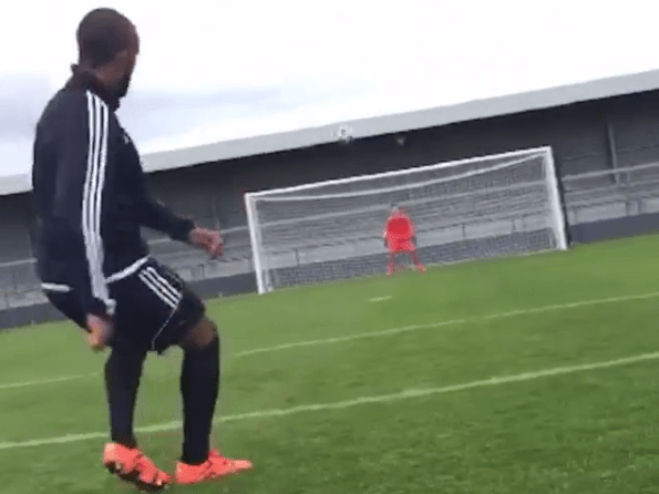 Watch Theo Walcott prove exactly why he should be on free-kick duty at Arsenal