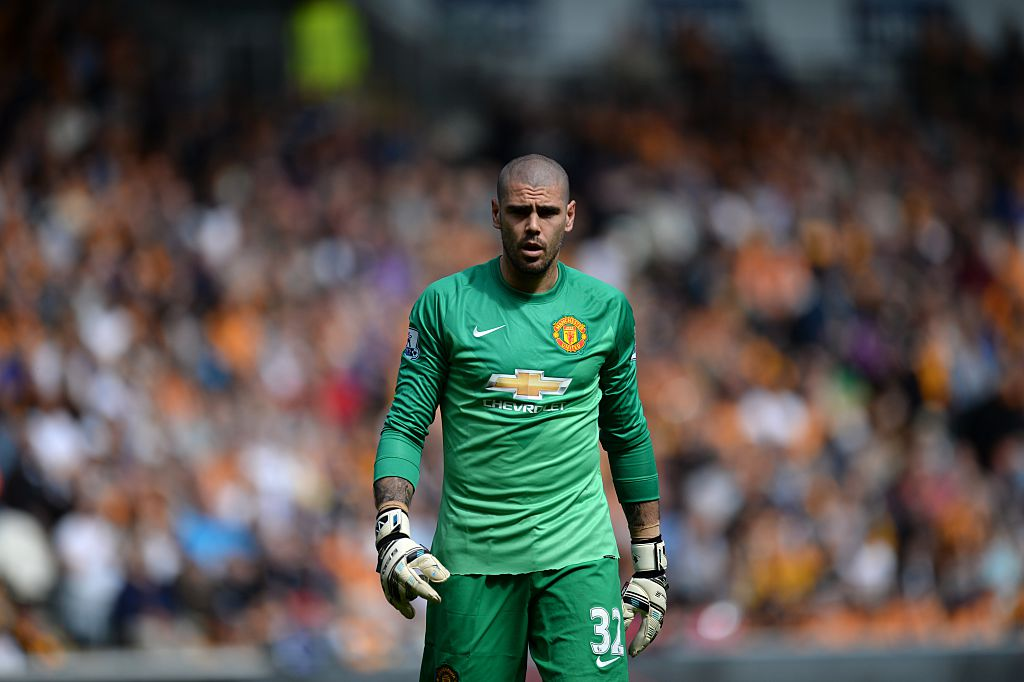 Victor Valdes on verge of sealing Manchester United exit with Espanyol transfer – report