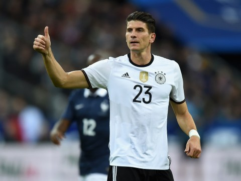 Mario Gomez's transfer link to Manchester United makes little sense