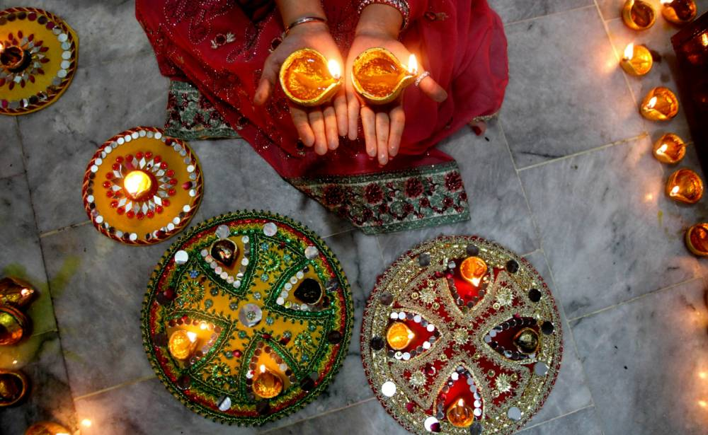 Diwali 2016: 15 messages and greetings to wish loved ones during the festival of light