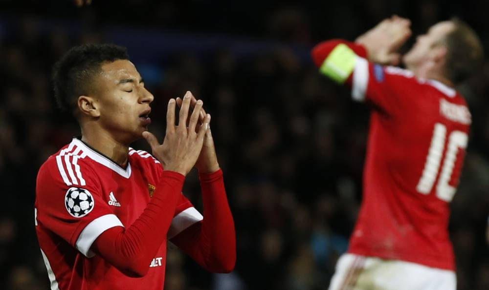 Football Soccer - Manchester United v PSV Eindhoven - UEFA Champions League Group Stage - Group B - Old Trafford, Manchester, England - 25/11/15 Manchester United's Jesse Lingard and Wayne Rooney look dejected after missing a chance to score Reuters / Phil Noble Livepic EDITORIAL USE ONLY.