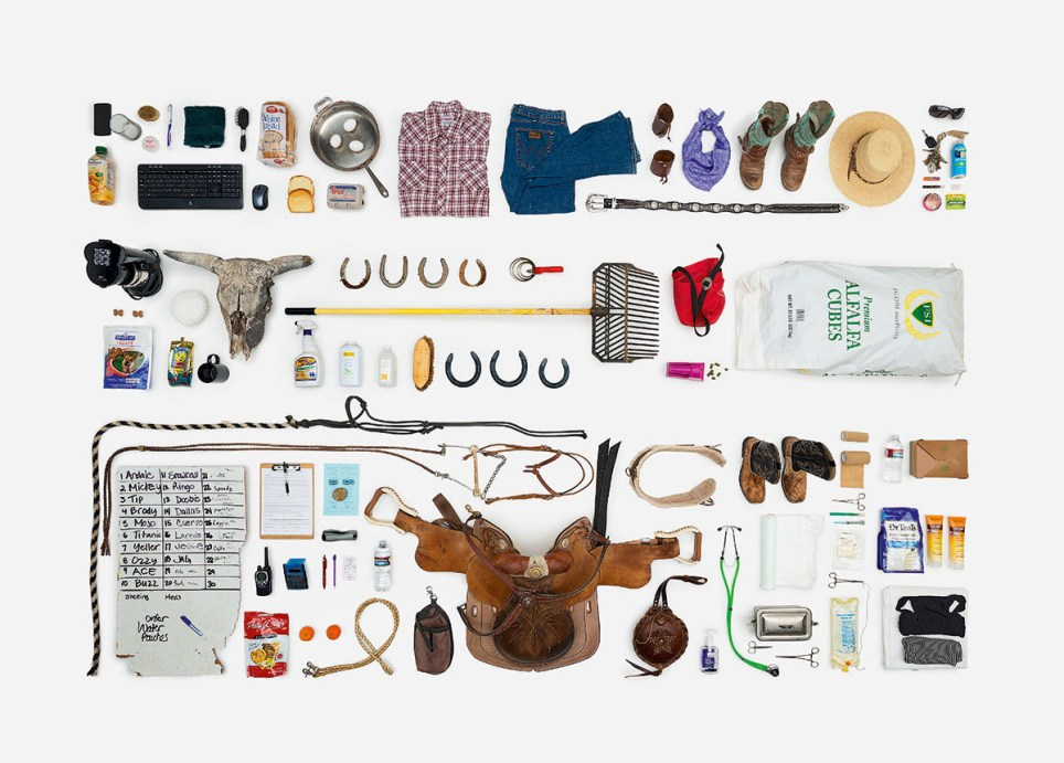 Every Single Object Touched by 62 Individuals Over the Course of One Day Compiled in Amazing New Photo Book Credit: Paula Zuccotti Must link: http://every-thingwetouch.tumblr.com/ Must Link: http://www.penguin.co.uk/books/every-thing-we-touch/9780241205907/