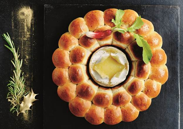 This camembert and rosemary-infused brioche wreath is all our foodie dreams come true