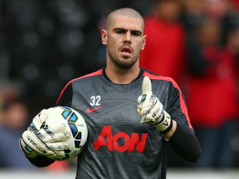 Liverpool make Manchester United goalkeeper Victor Valdes their top January transfer target – report
