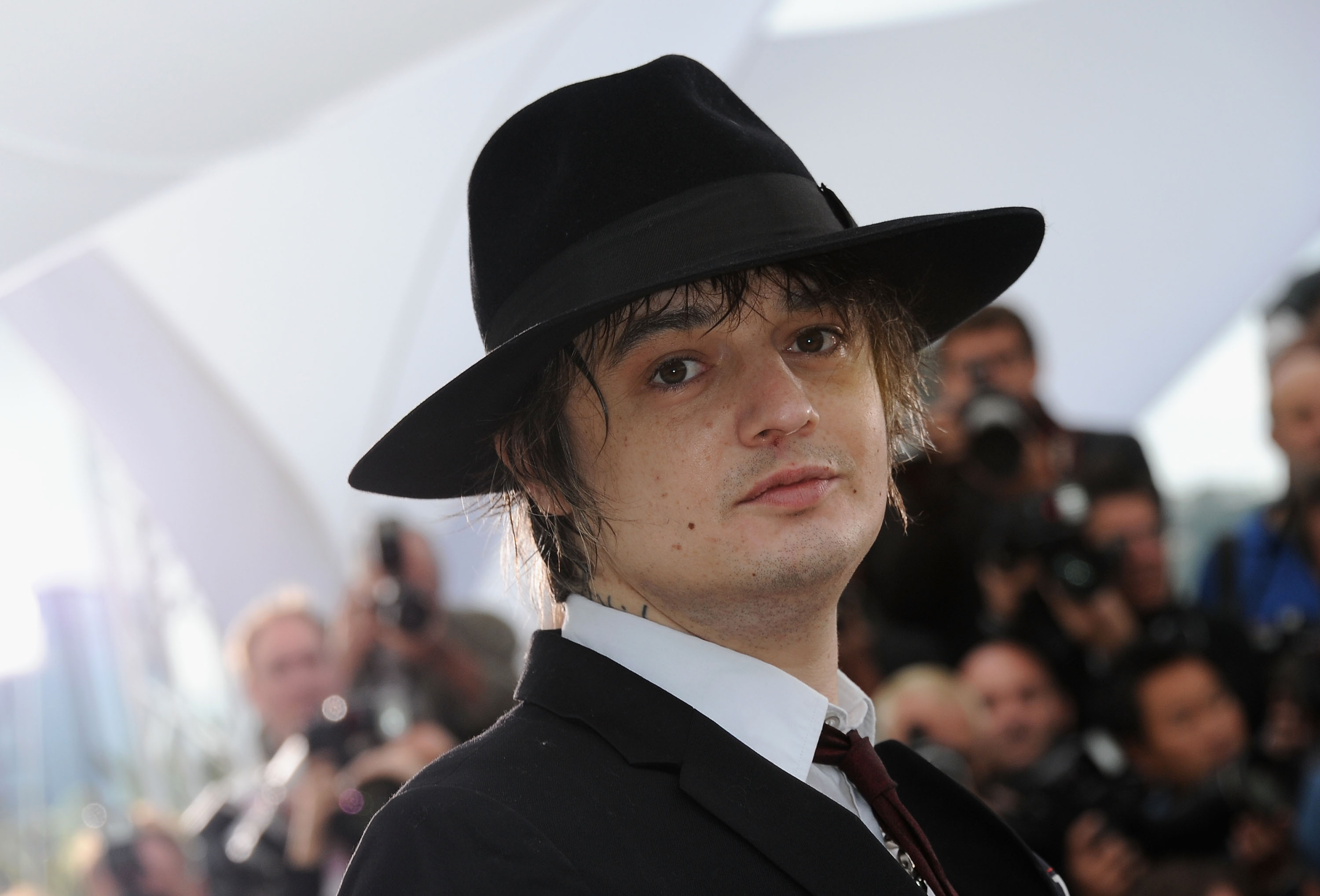Pete Doherty was 'decked' by Swervedriver singer Adam Franklin during a Hong Kong scuffle