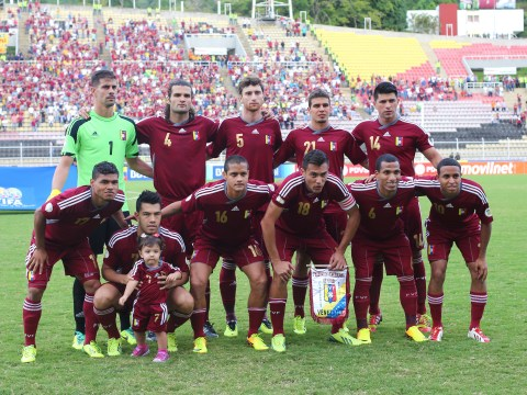 Entire Venezuelan national football team threatens to quit unless the coaching staff are sacked