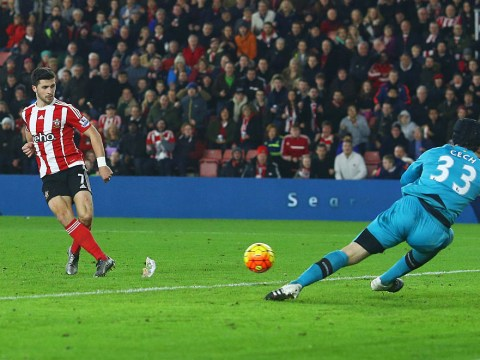 Pictures suggest Shane Long goal for Southampton v Arsenal shouldn't have counted
