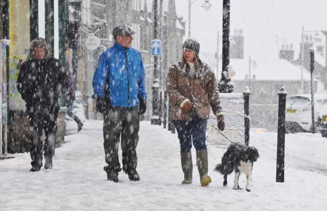 Dated: 12/12/2015 Shoppers brave heavy snow downfalls in Barnard Castle, County Durham this afternoon (SAT) with much of the north of England experiencing harsh weather. See weather round-up