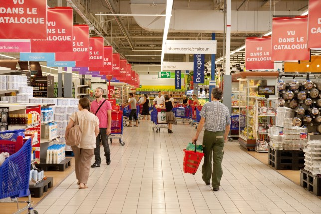 Law for supermarkets to donate unsold food to be passed in France