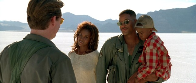 Will as Steve Hillier, Vivicia A. Fox as Jasmine and Ross Bagley as Dylan (picture: 20th century fox)