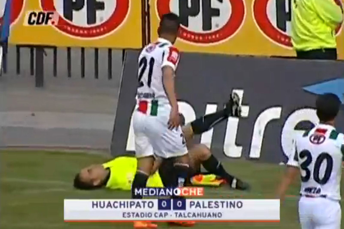 Chilean footballer Angelo Sagal sent off after linesman fakes injury