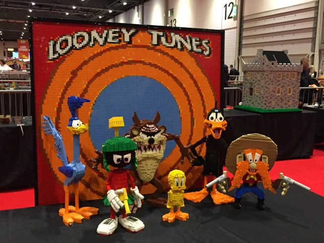 Lego Looney Tunes Brick London