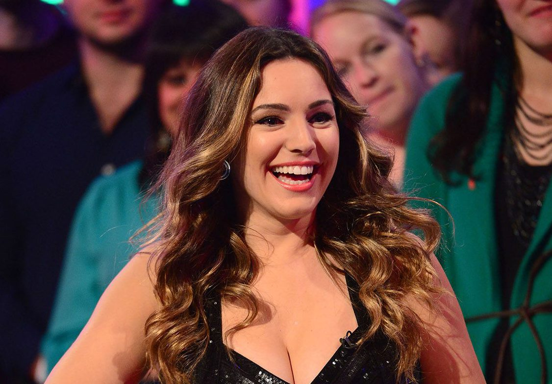 Kelly Brook is set to star on a dating show with Eamonn Holmes