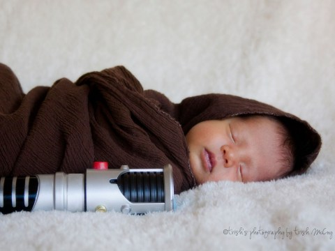 Family celebrates 'miracle' baby with a Star Wars themed photoshoot