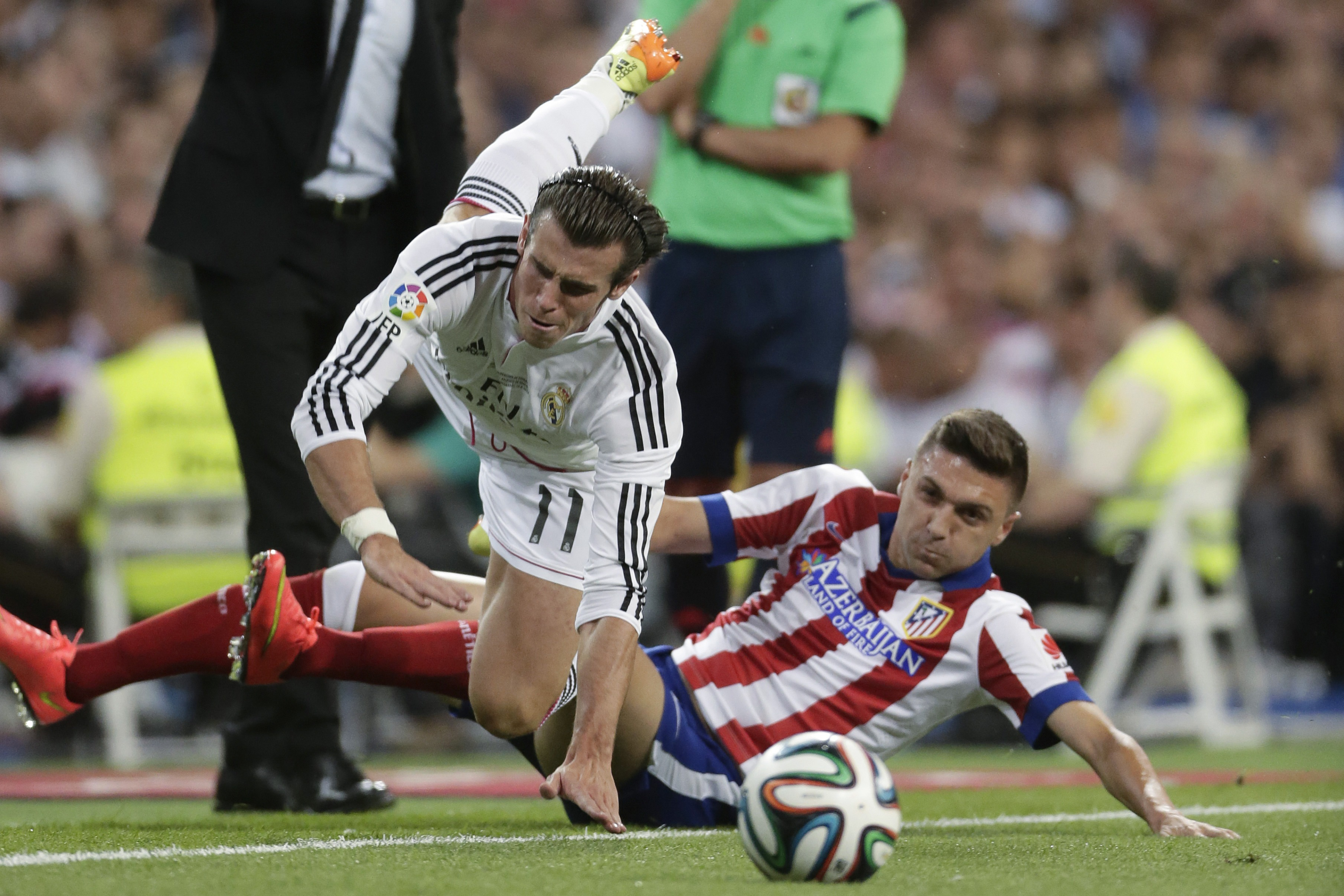 Newcastle closing in on Atletico Madrid defender Guilherme Siqueira