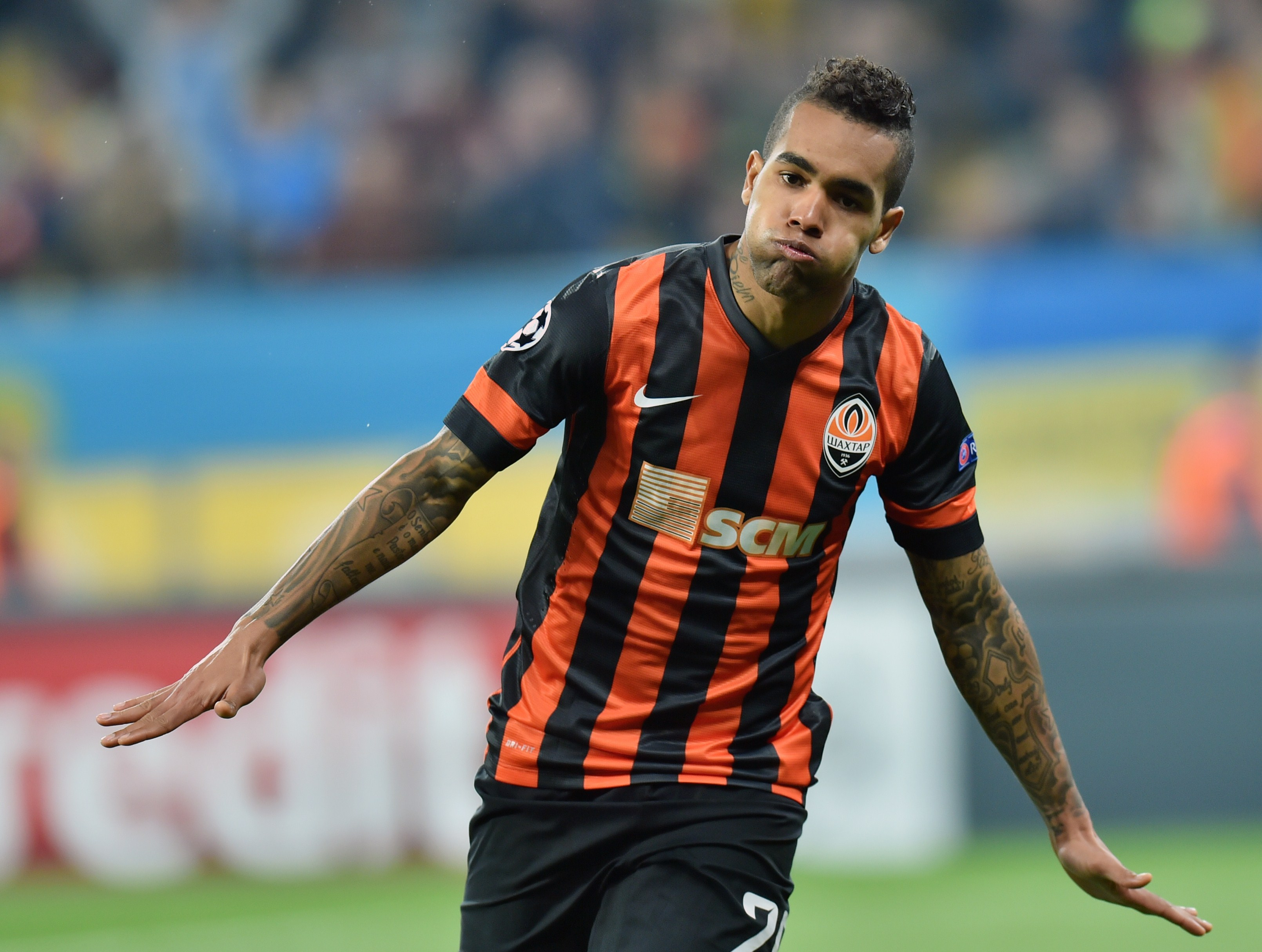 Chelsea confident of beating Liverpool to transfer of Shakhtar's Alex Teixeira – report