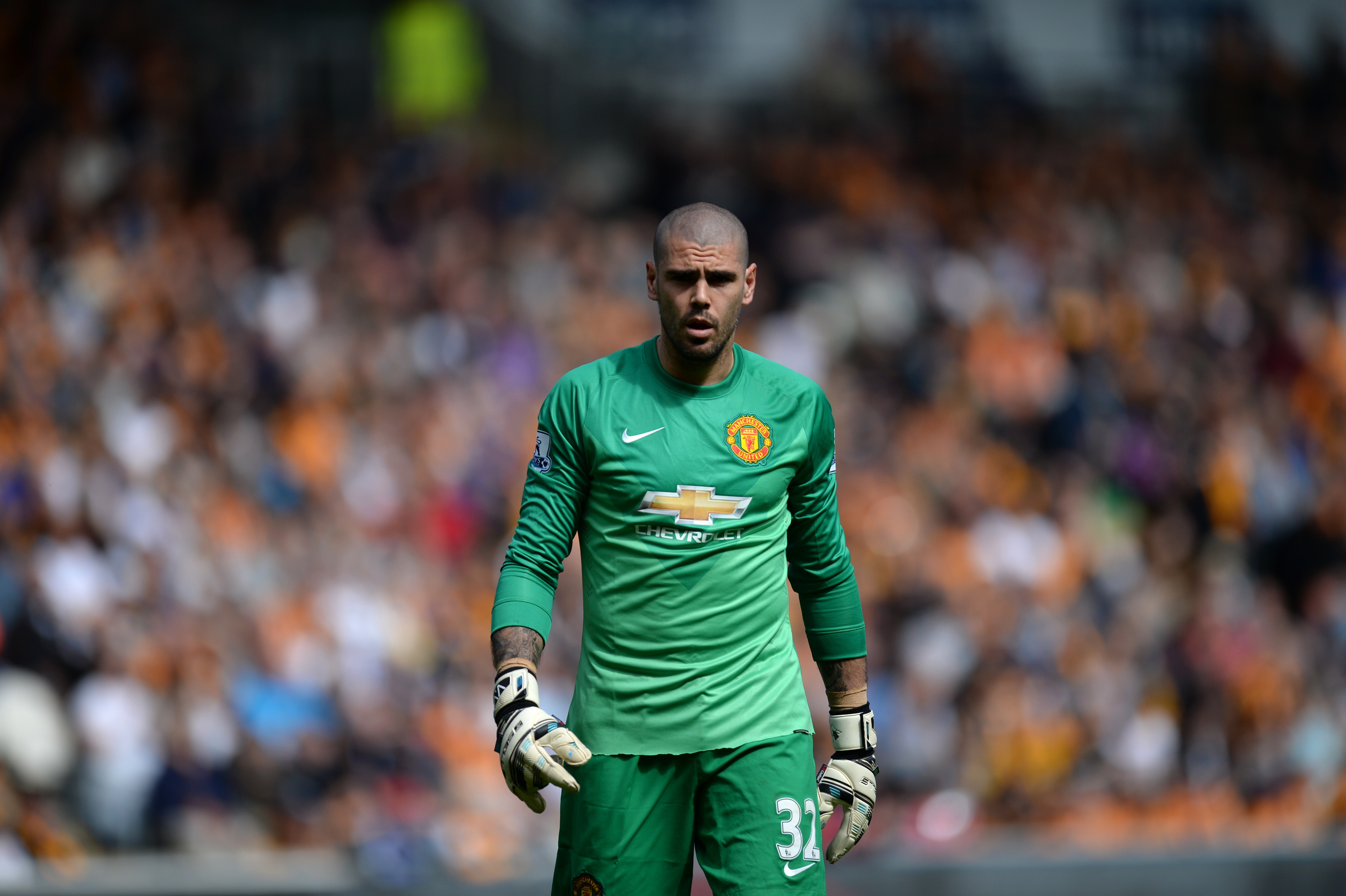 Manchester United boss Louis van Gaal personally vetoes Victor Valdes' Newcastle United transfer