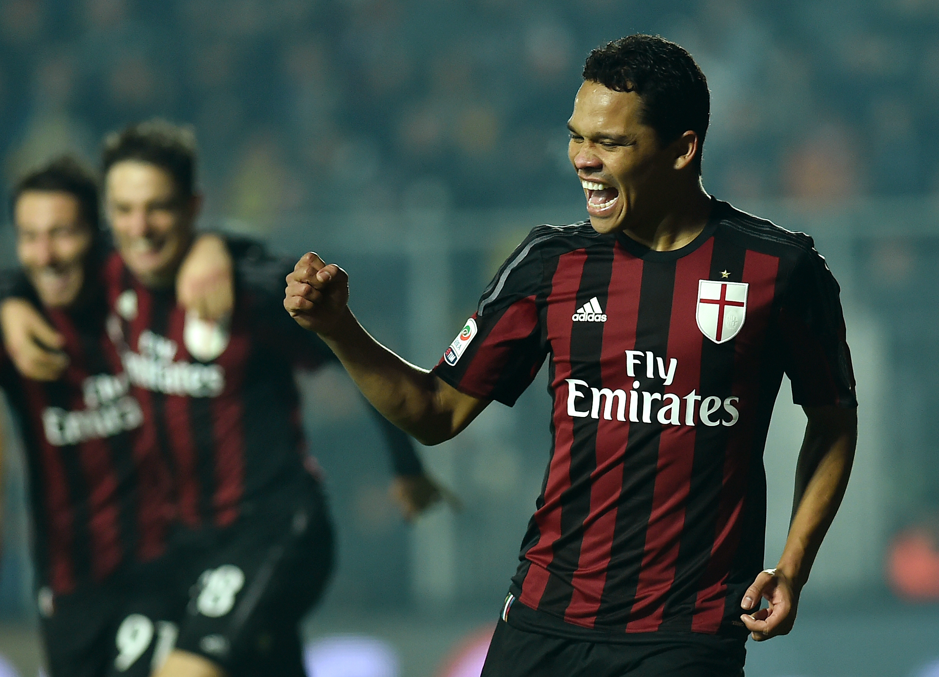 Manchester United ready to ruin Chelsea's transfer move for Carlos Bacca – report