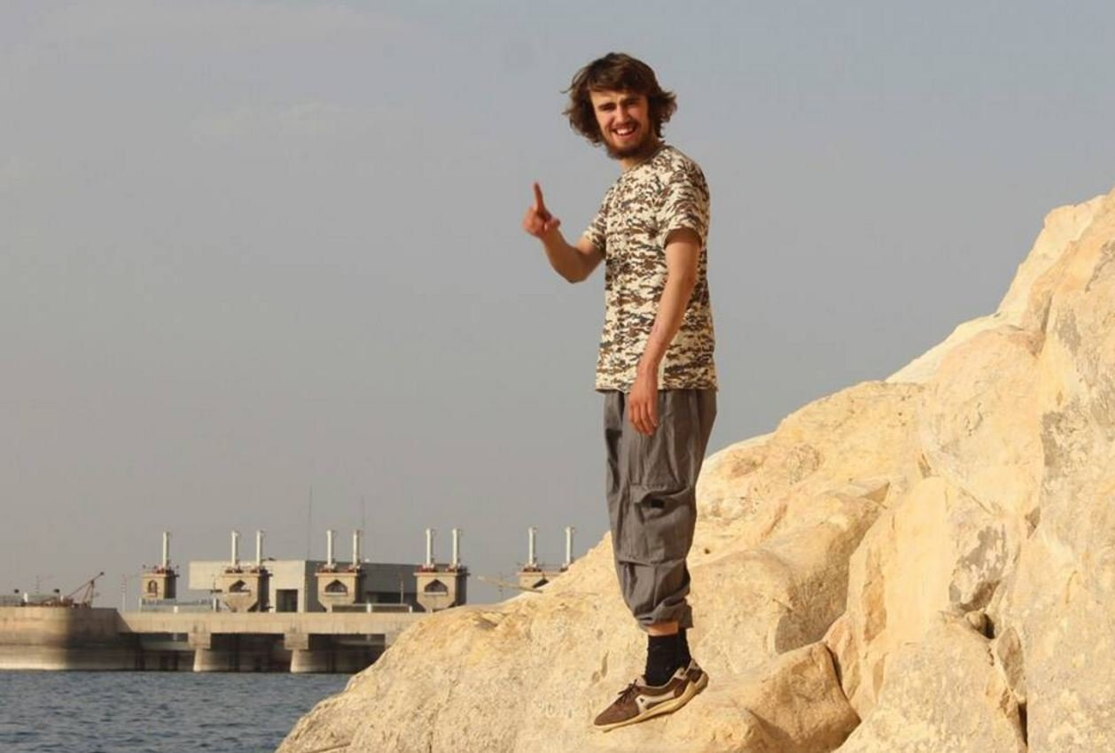 Jack Ibrahim Letts / Jack Letts, who now uses the name Ibrahim, in a picture he posted on social media that shows him in Syria / https://www.facebook.com/jackibrahim.letts/photos / Source: INTERNET