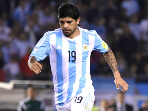 Manchester United very interested in Ever Banega transfer deal – report