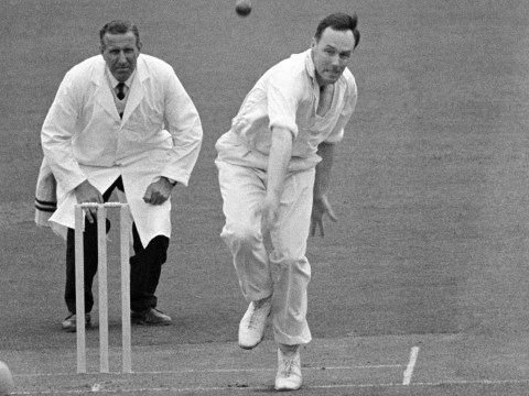 Jack Bannister: Former cricketer and commentator dies ages 85