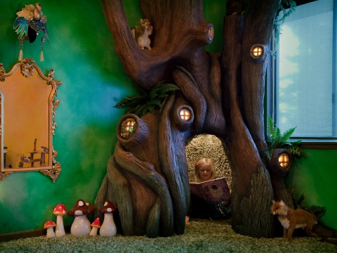Best dad ever builds a tree in his daughter's bedroom