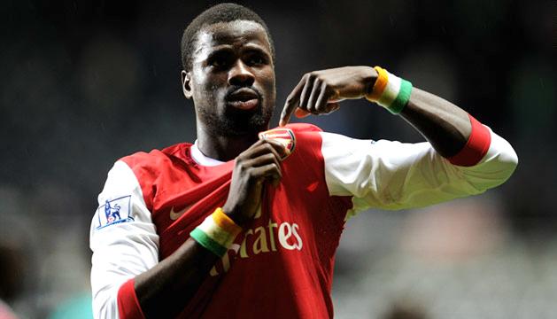 Emmanuel Eboue hopeful of sealing transfer back to Arsenal this month