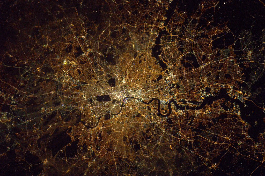 Check out these amazing photos of London and UK posted by Tim Peake