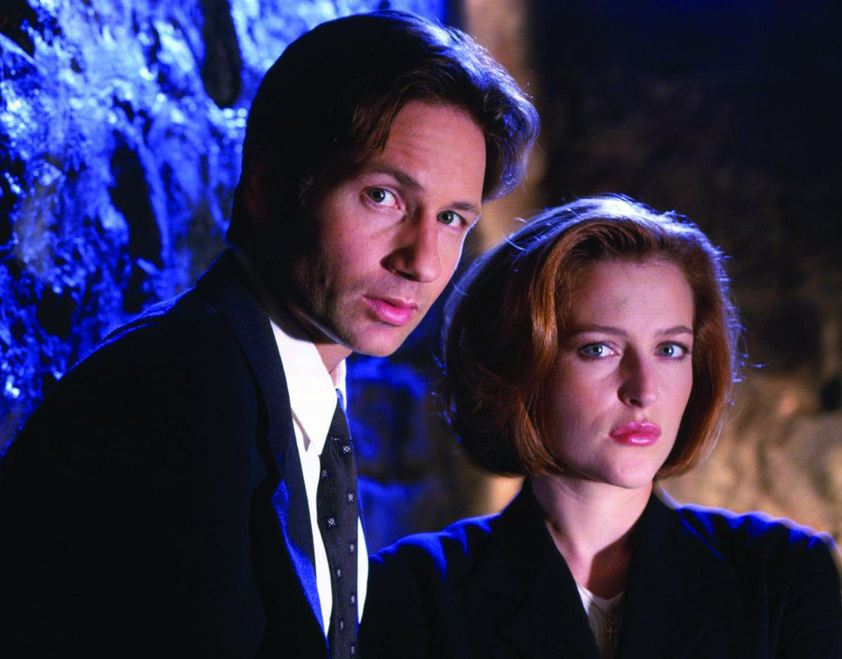 No Merchandising. Editorial Use Only. No Book Cover Usage Mandatory Credit: Photo by Snap Stills/REX/Shutterstock (2207455ap) David Duchovny, Gillian Anderson The X Files - 1998