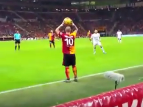 Watch: Wesley Sneijder takes Galatasaray fan's advice on a throw-in
