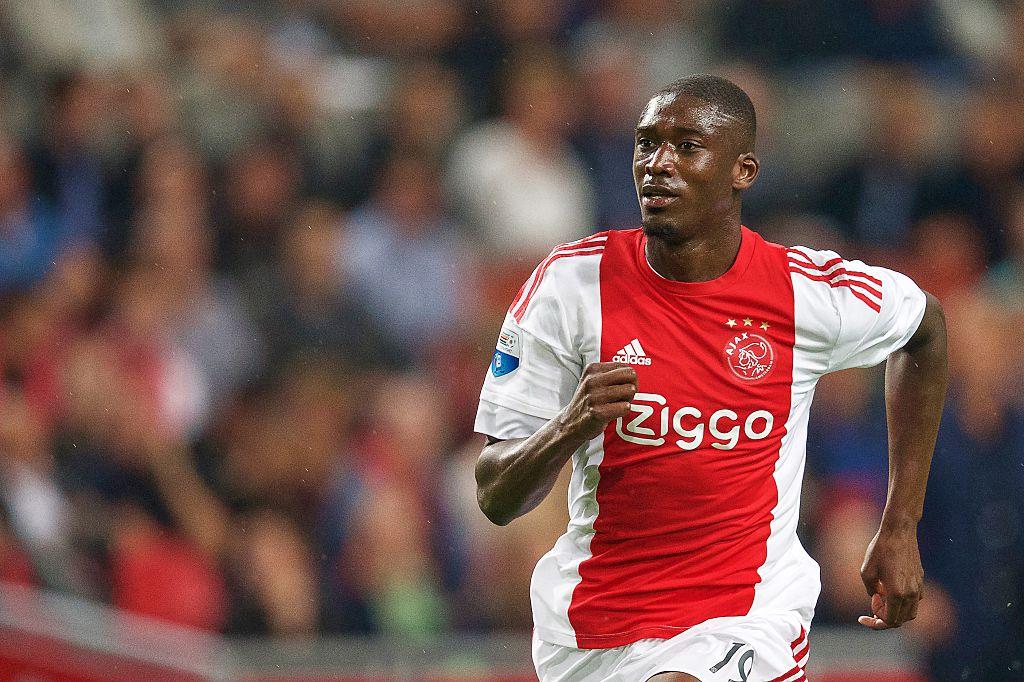 Yaya Sanogo responds to Facebook troll, Arsenal teammate Hector Bellerin backs him up