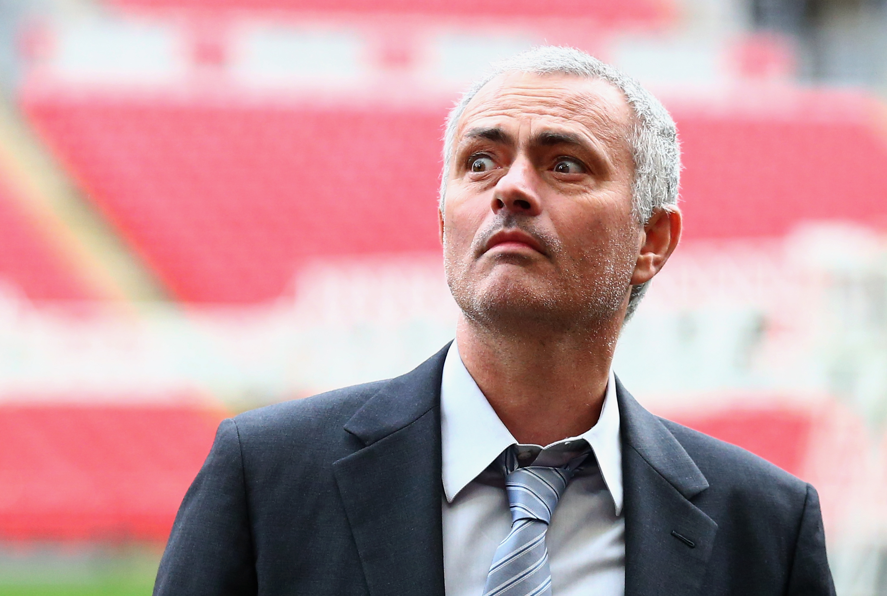 Why Jose Mourinho must not spend too long waiting for the Manchester United job