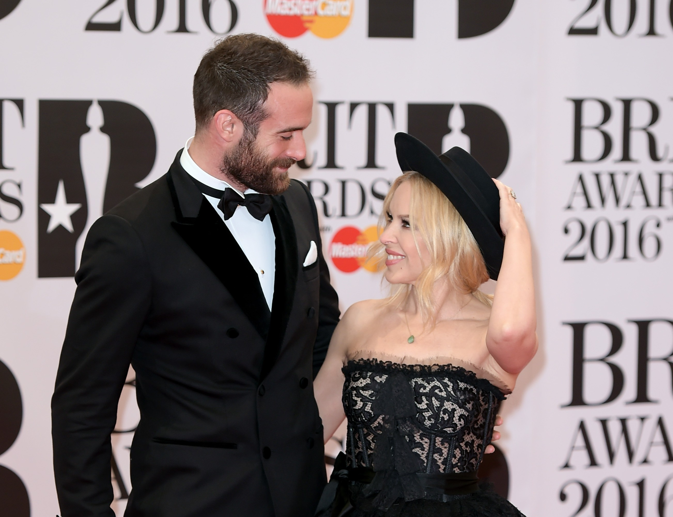 Kylie Minogue says she won't marry until Australia legalises same-sex marriage