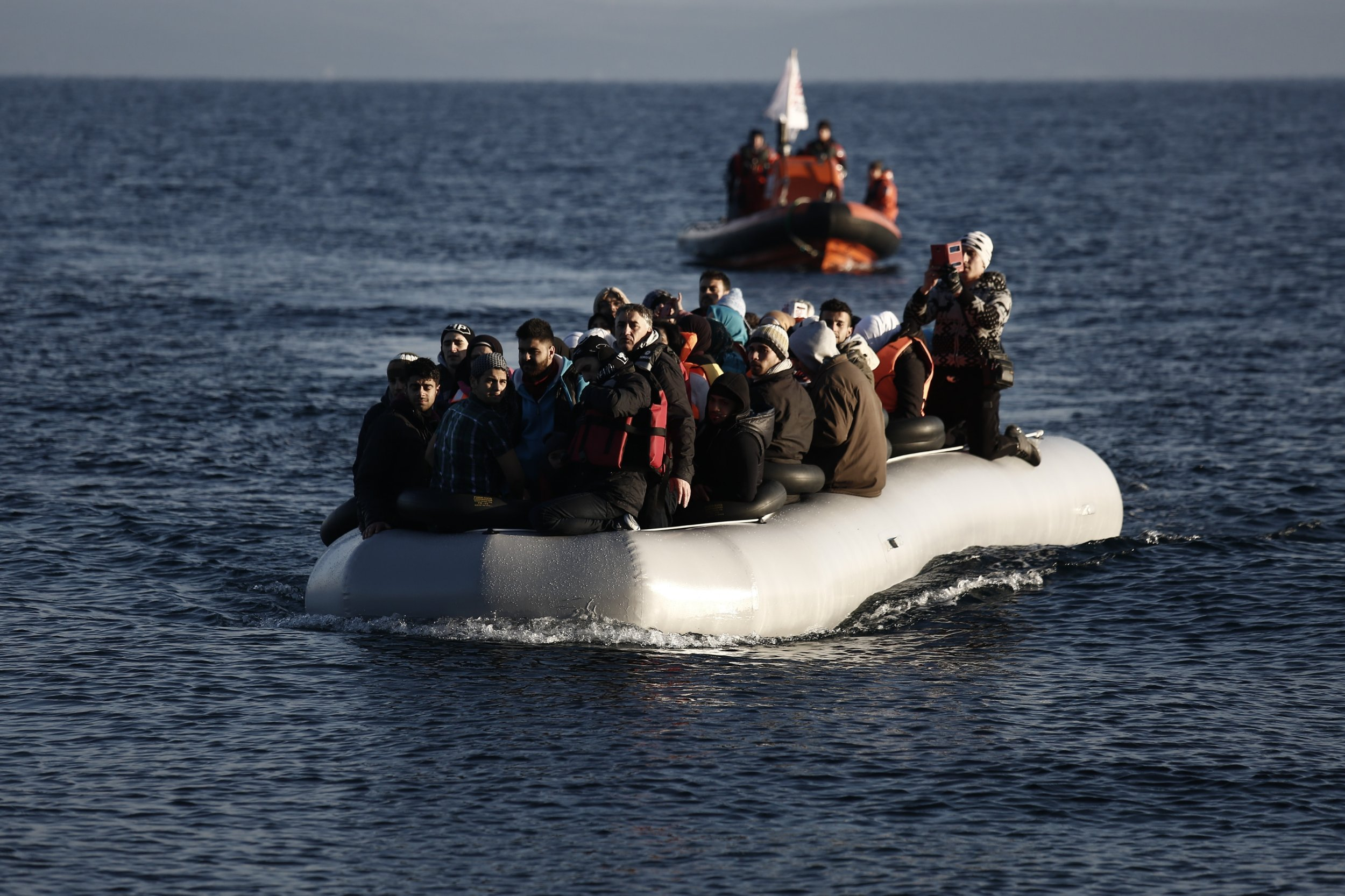 Nato warships to try and stem flow of migrants into Europe and Turkey
