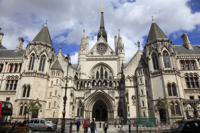 UK, England, London, Facade and entrance of Royal Courts of Justice