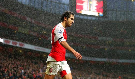 Arsenal fans certain Mathieu Flamini's Gunners career is over as he's dropped v Manchester United