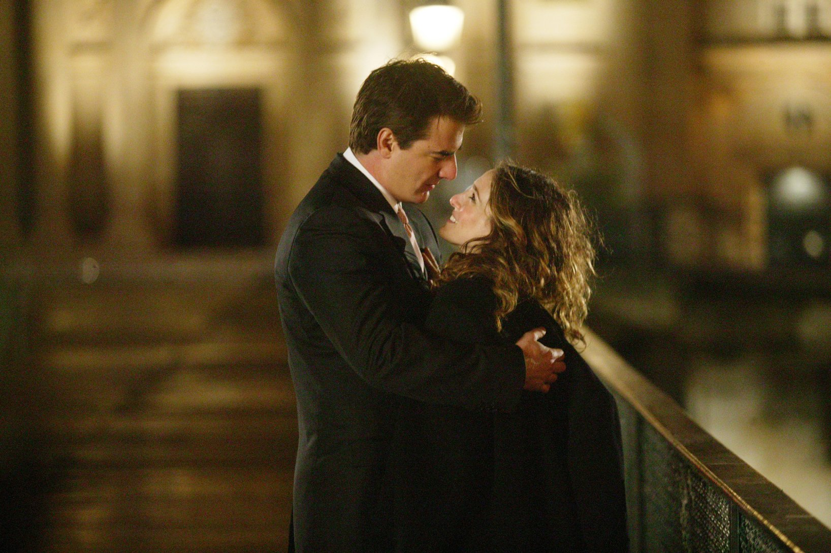 """Television programme SEX AND THE CITY: An American Girl in Paris Sex And The City Episode 19 Part 2 """"An American Girl in Paris (Part Deux)"""" Carrie (Sarah Jessica Parker) and Mr. Big (Chris Noth) Tx:17/03/2004 This picture may be used solely for Channel 4 programme publicity purposes in connection with the current broadcast of the programme(s) featured in the national and local press and listings. Not to be reproduced or redistributed for any use or in any medium not set out above (including the internet or other electronic form) without the prior written consent of Channel 4 Picture Publicity 020 7306 8685...London...United Kingdom CHANNEL 4 PICTURE PUBLICITY 124 Horseferry Road London SW1P 2TX 020 7306 8685"""