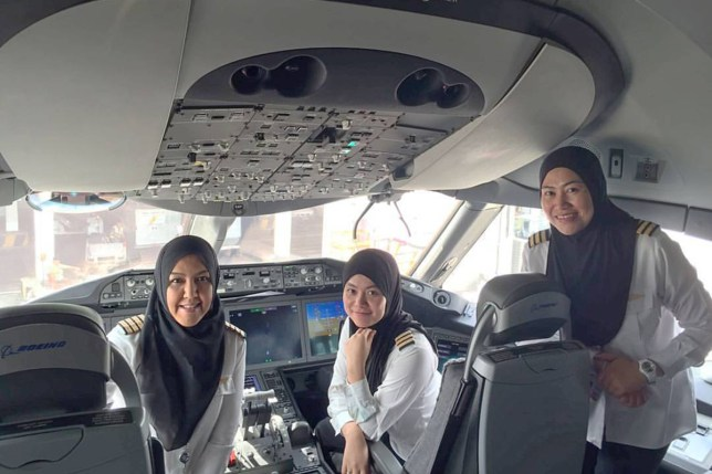 Royal Brunei Airlines first ever female trio at the flight deck of a Dreamliner Royal Brunei Airlines