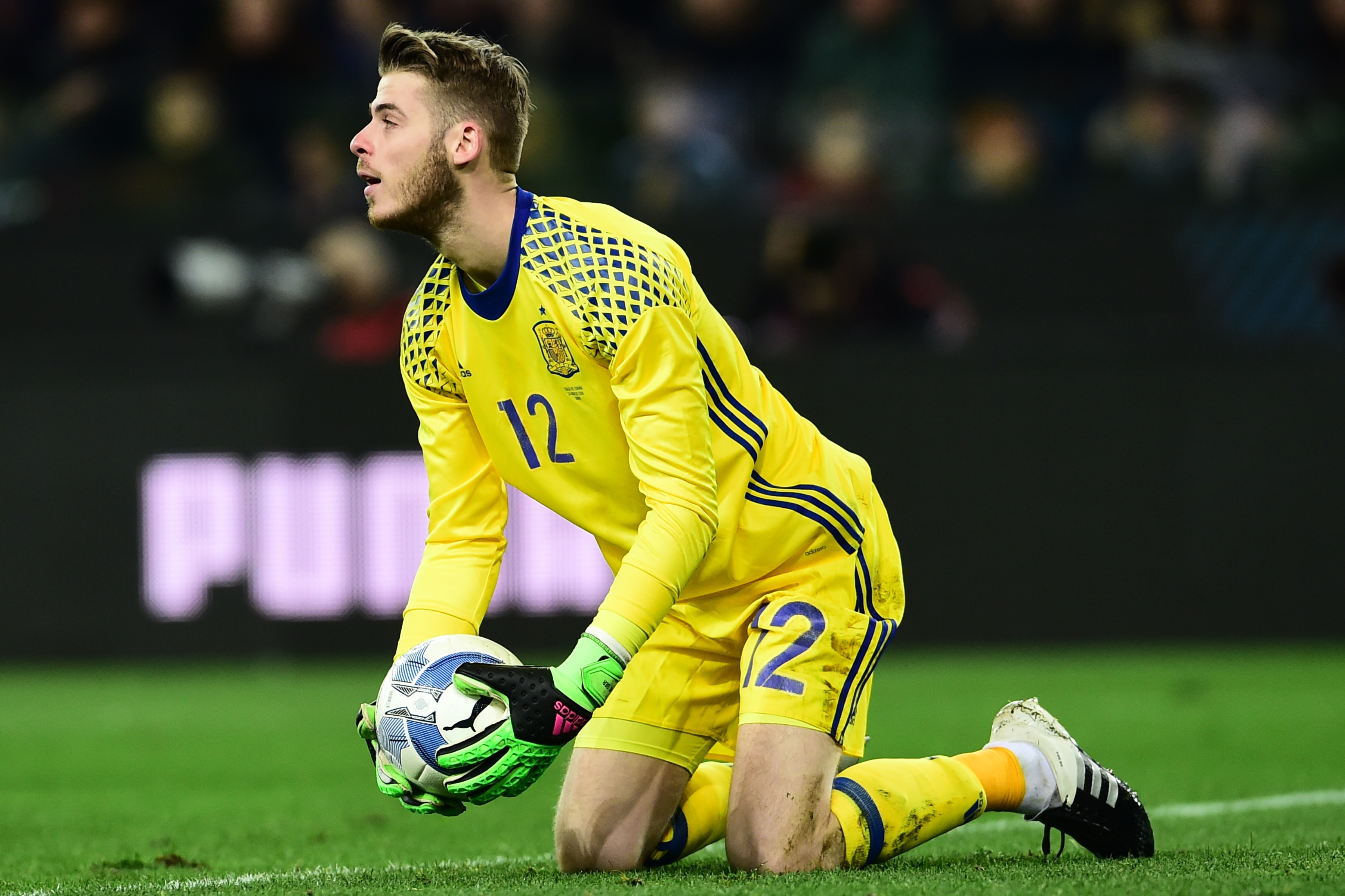 Will Manchester United stop Real Madrid from signing David de Gea in this summer's transfer window?