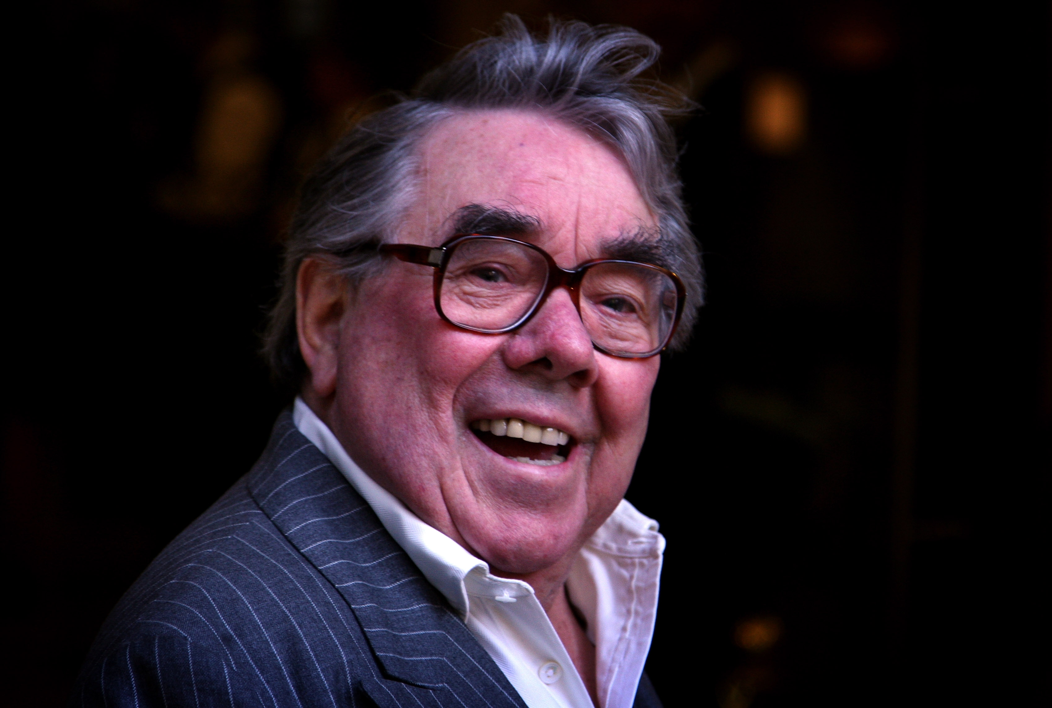 LONDON, ENGLAND - SEPTEMBER 01: Actor Ronnie Corbett arrives at the opening of the new Greens restaurant and Oyster Bar on September 1, 2009 in London, England. (Photo by Chris Jackson/Getty Images)
