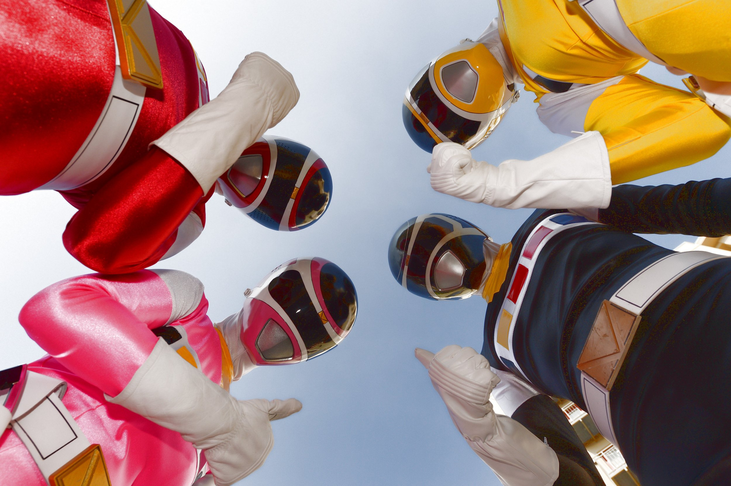 Go go Power Rangers! Here's your first look at the reboot's new cast together